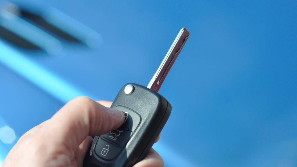 switchblade key | Can a Locksmith Make a Car Key?